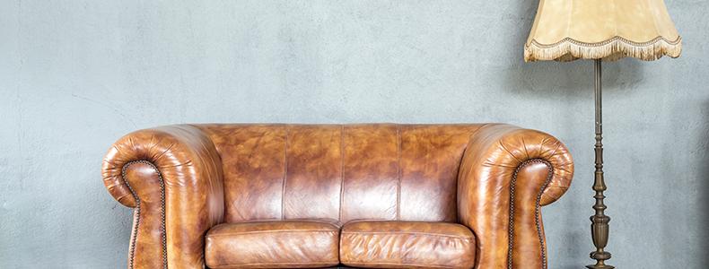 Divano in pelle classico moderno o vintage - Divano classico in pelle ...