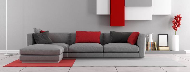 Divano grigio stile e modernit in salotto for Divano rosso abbinamenti